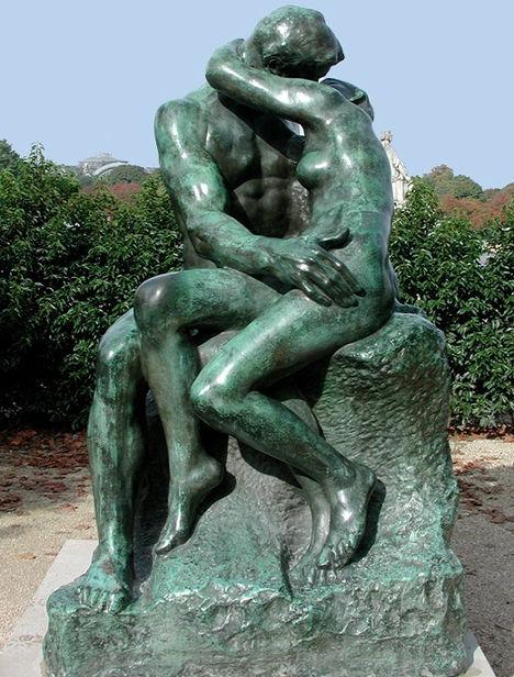 ...qui nous rappellent  les tendre baisers des amants de Rodin.